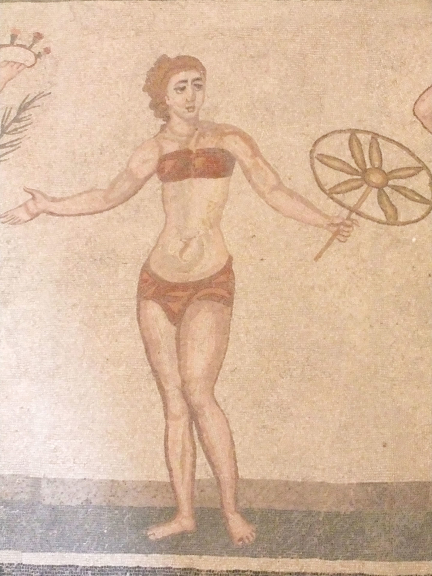 Bikini  de ces dames sous l'empire romain ©  Jean-Claude Rolinat.