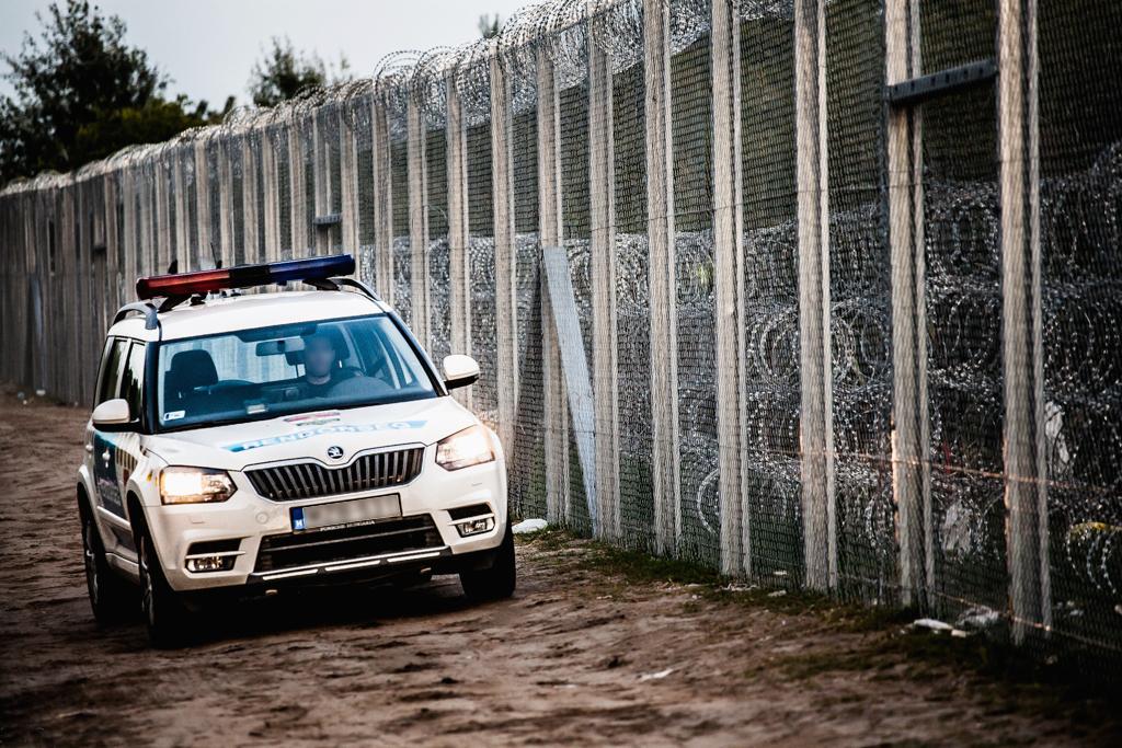 Police à la frontière hongroise.