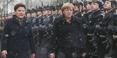 Angela Merkel à Varsovie .