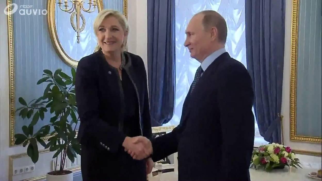Marine Le Pen et Vladimir Poutine.