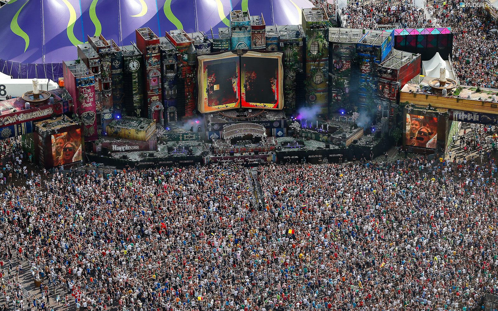 Tomorrowland mainstage