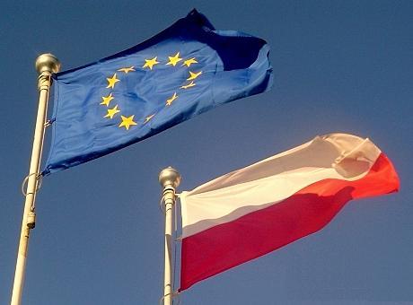 Drapeaux UE Pologne