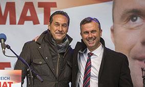 Le président du FPÖ Heinz-Christian Strache et le Troisième président (FPÖ) du Parlement Norbert Hofer.