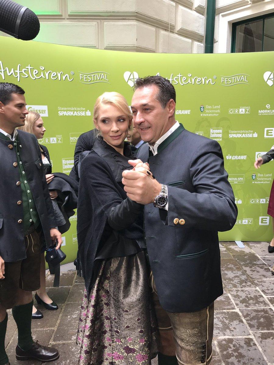Le président du FPÖ Heinz-Christian Strache et sa femme Philippa.