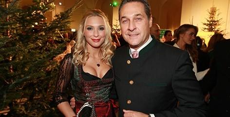 L'actuel président du FPÖ Heinz-Christian Strache et sa femme Philippa.