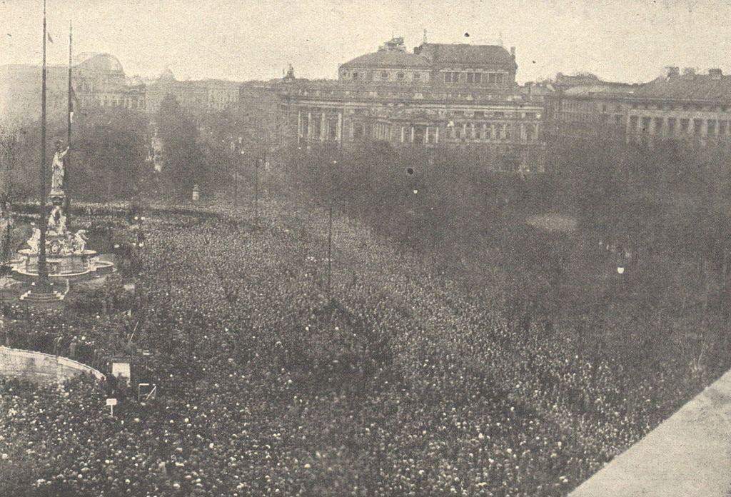 Proclamation de la République devant le Parlement le 12 novembre 1918.