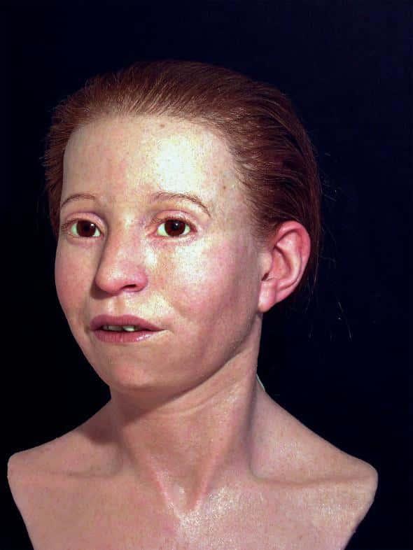 L'équipe a aussi reconstitué le visage de Myrtis, petite fille athénienne morte à 11 ans de la thypoïde au Ve siècle avant J.C.