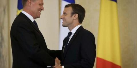 Emmanuel Macron et le président Johannis,