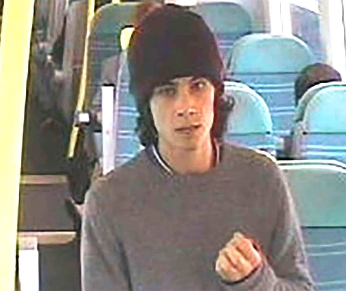 Une capture d'écran des caméras de sécurité d'un train montre Ahmed Hassan.