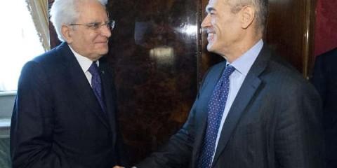 Le président Mattarella rencontrant le nouveau président du Conseil, Carlo Cottarelli.