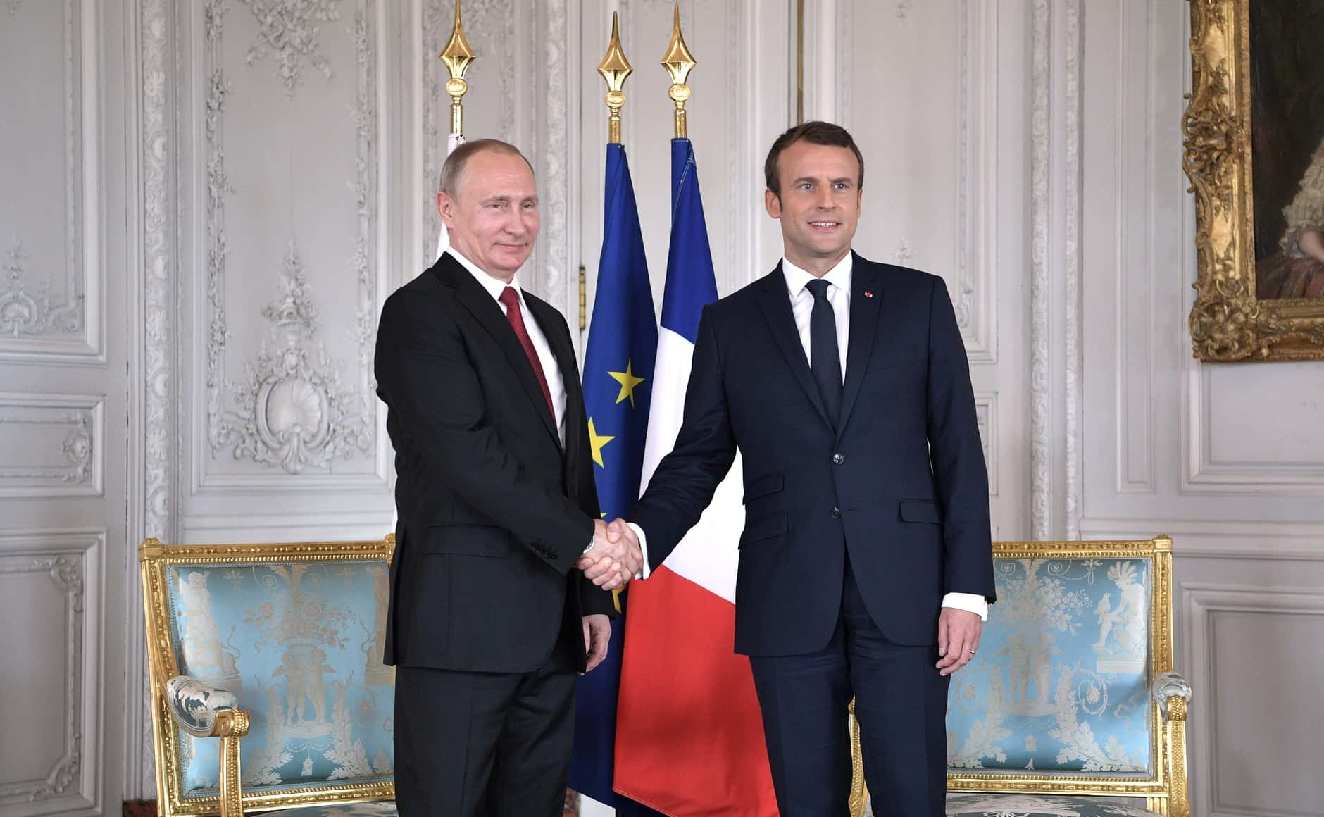Wladimir Poutine et Emmanuel_Macron.