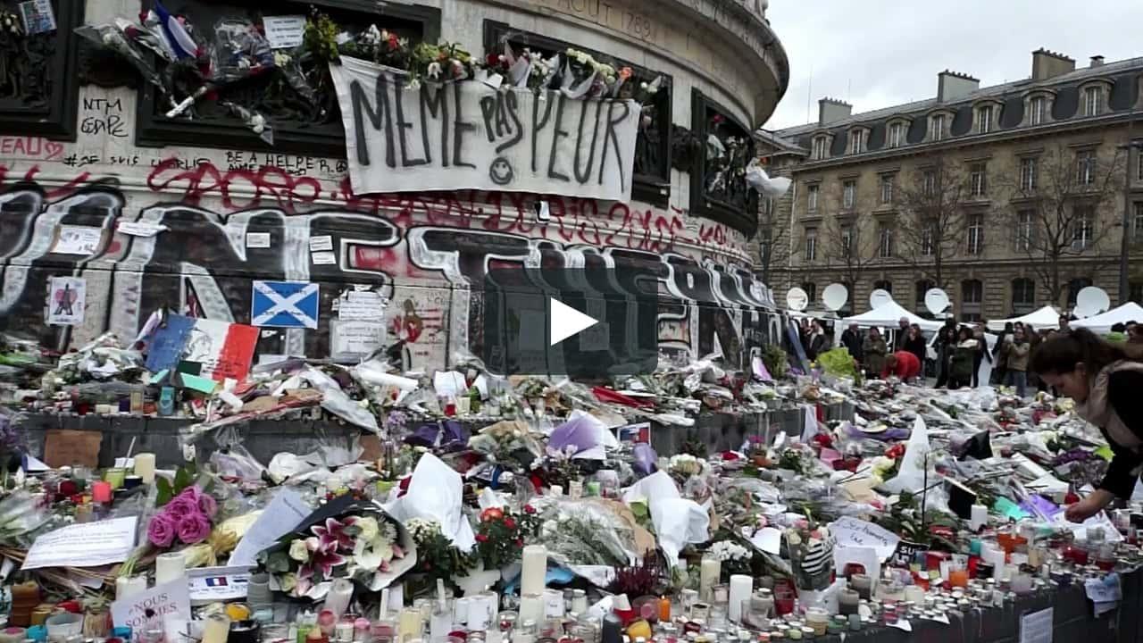 Paris : Devenue un lieu de recueillement après les attentats, la place de la République.