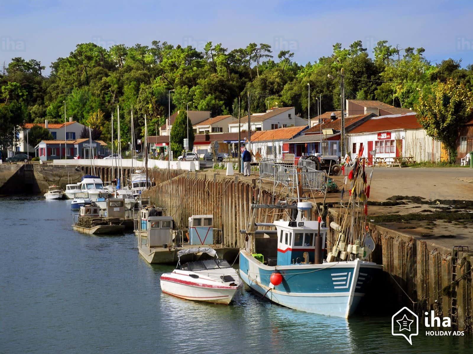 Découverte du port de Saint Trojan à proximité de Dolus d'Oléron .