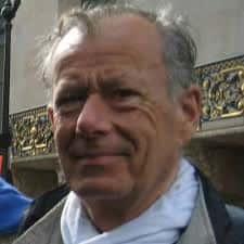 """Jean-François Touzé, Délégué général du Parti de la France, est également le rédacteur en chef de la revue """"Confrontations""""."""