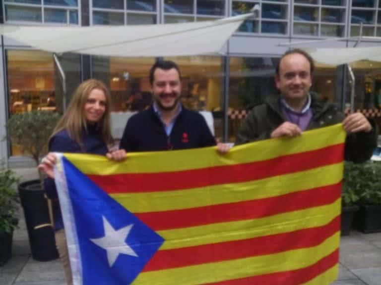 Ester Gallego, le dirigeant de la Ligue Matteo Salvini (Italie) et Enrique Ravello (Som Catalans).
