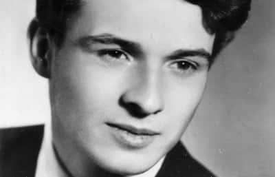 Jan Palach, né le 11août 1948 à Prague et mort le 19janvier 1969 dans la même ville. Il s'est suicidé le 16janvier 1969 en s'immolant pour protester contre les chars soviétiques entrés dans Prague.