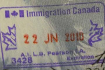 Timbre d'immigration canadien.