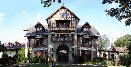 L'hôtel de Miraville, hôtel de ville de Sarcelles.