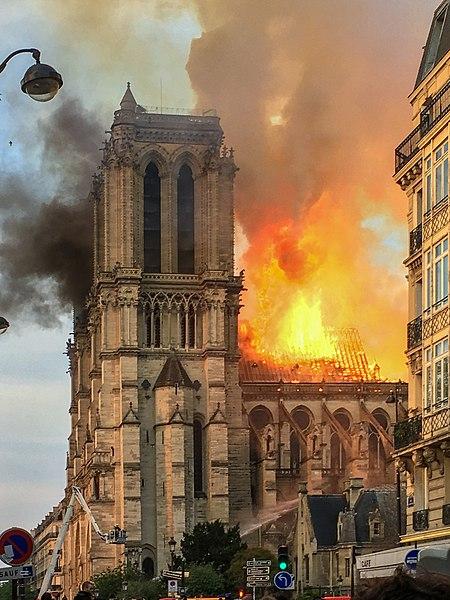 Incendie de Notre Dame de Paris en avril 2019.
