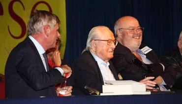 Filip Dewinter (Député au Parlement flamand), Jean-Marie Le Pen (co-fondateur du Front national), Roland Hélie (directeur de Synthèse nationale).