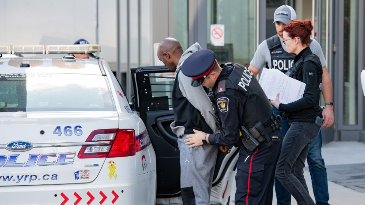 police-york-toronto-arrestation