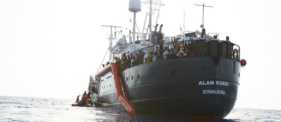"le navire ""Alan Kurdi""."