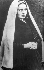 Bernadette Soubirou et son capulet.