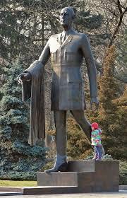 Statue de Charles De Gaulle.