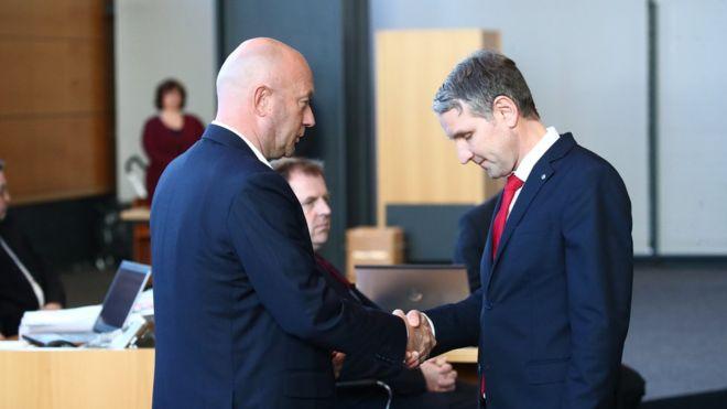 Thomas Kemmerich (FDP) et Björn Höcke (AfD) .
